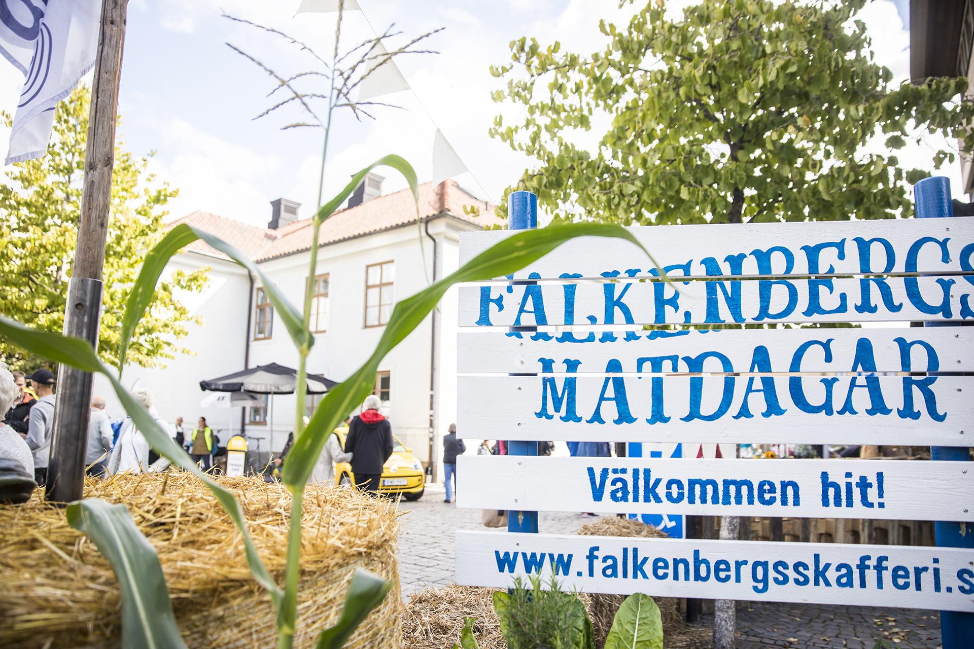 Skylt med texten Falkenbergs Matdagar.